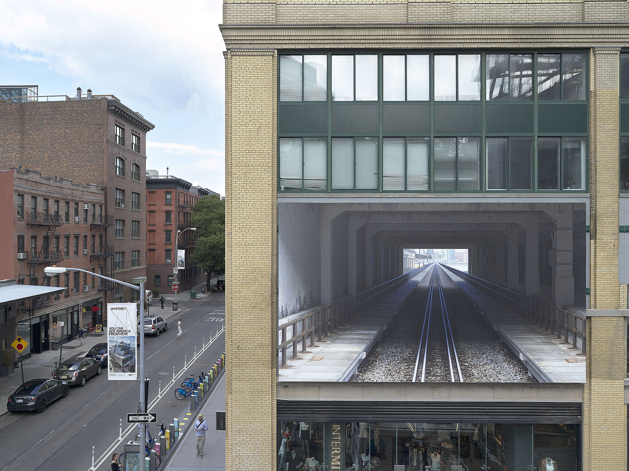 Installation view of 95 Horatio Street billboard from the High Line.