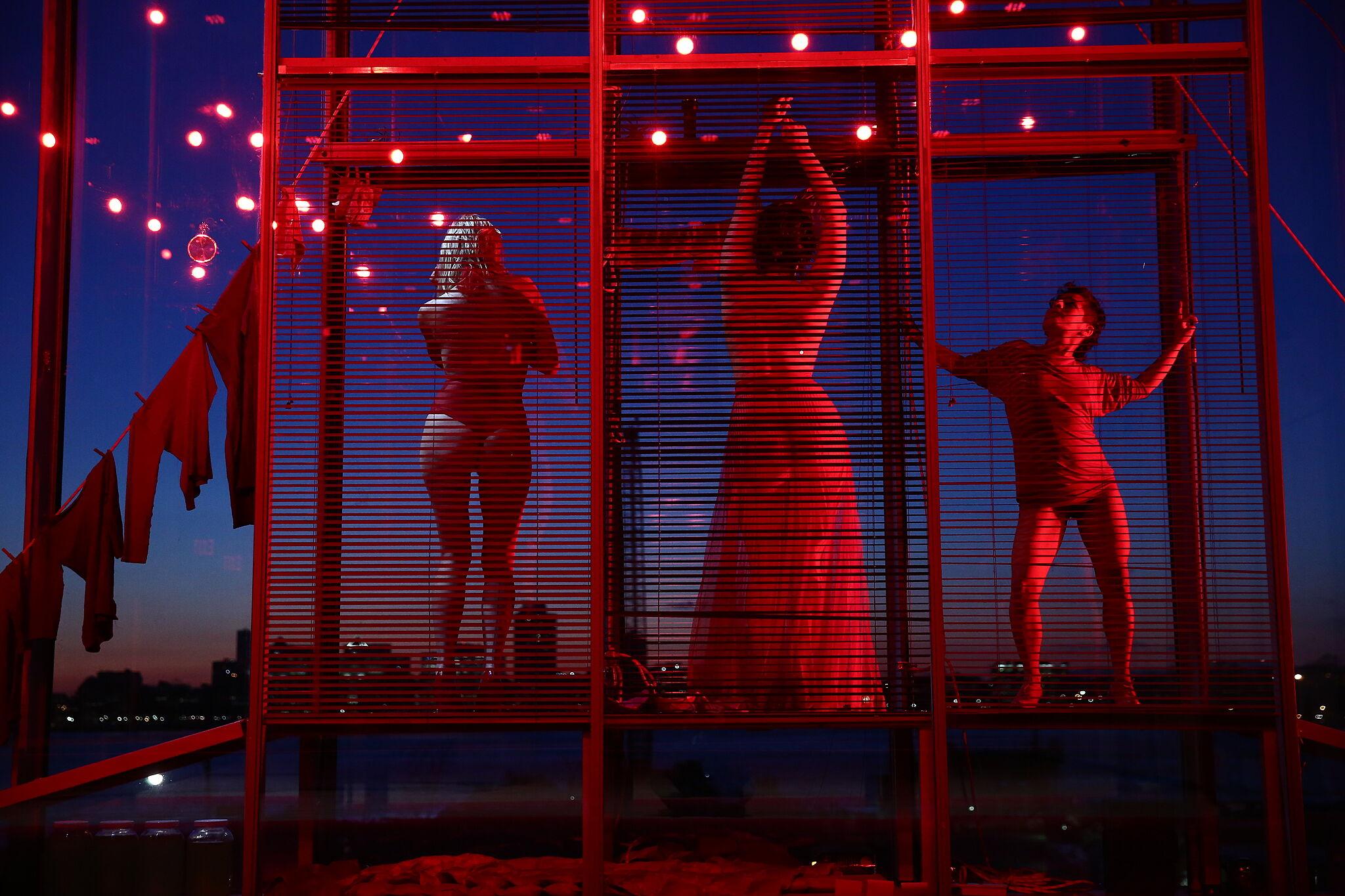 MPA, Elizabeth and Amapola dance