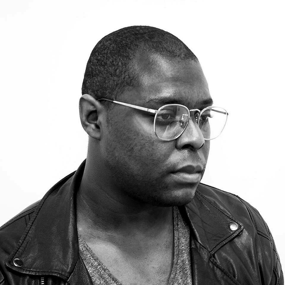 Portrait of Damien Davis.