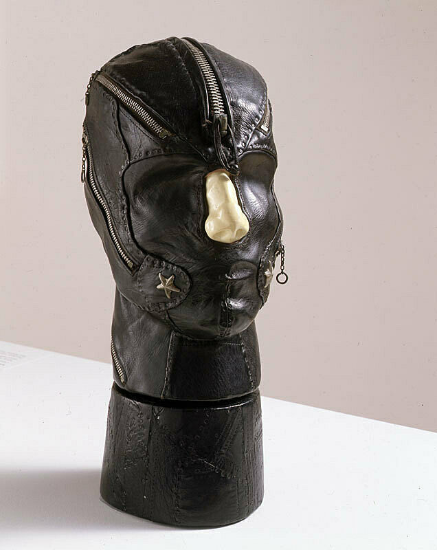 Head with black mask.