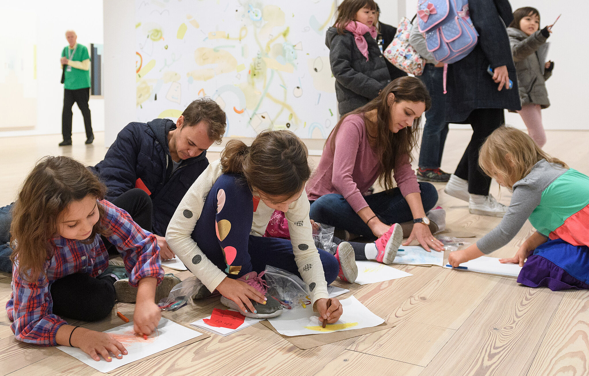 Kids drawing in the gallery