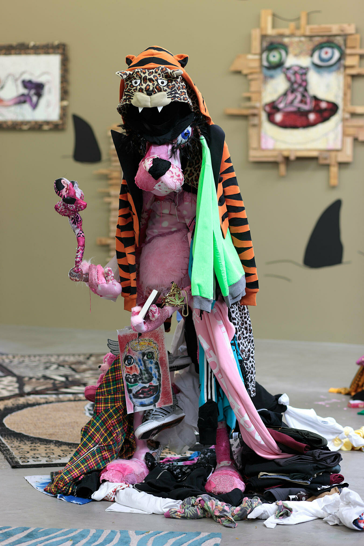 A cartoon model of a pink panther.